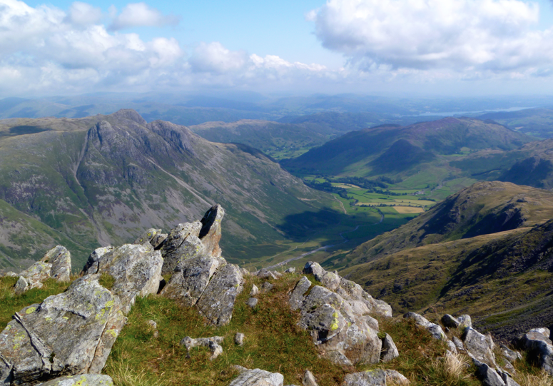 Bowfell-Buttress-classic-rock