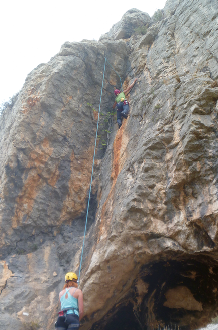 Jalon-valley-rock-climbing