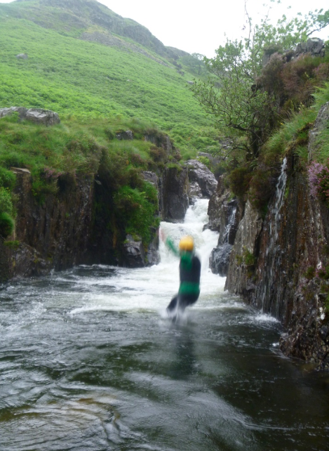 Big jumps in the Esk gorge