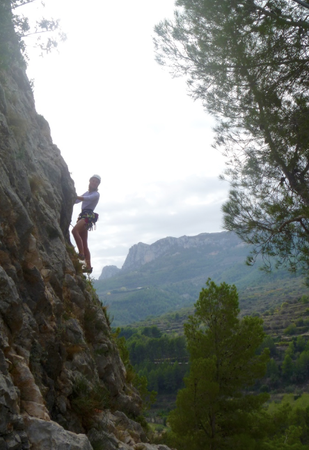 Rock-climbing-improvers-course-Spain