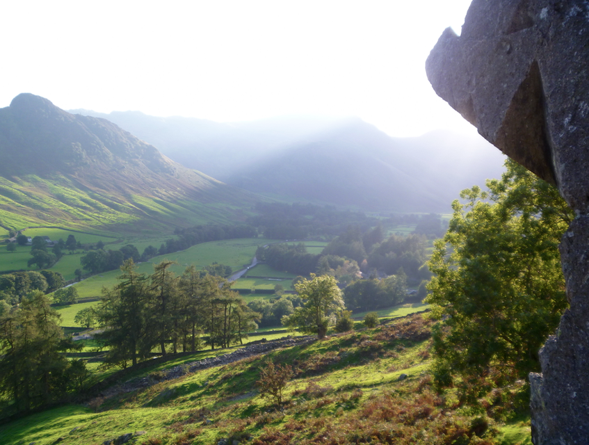 Autumnal-colours-in-Langdale-rock-climbing